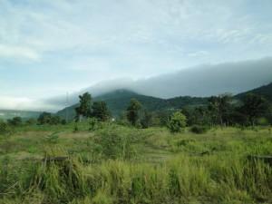 3 - (foto gemaakt na het bezoek aan de temepl) Op de top van deze berg ligt Preah Vihear