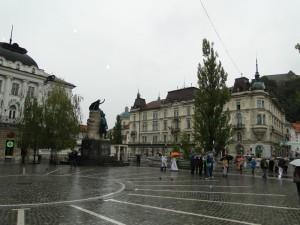1 van de vele pleinen in Ljubljana