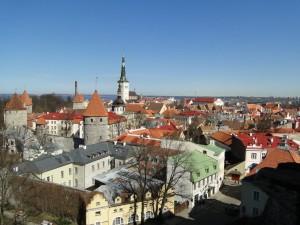 Tallinn - Uitzicht over Tallinn vanaf 1 van de vele panoramapunten