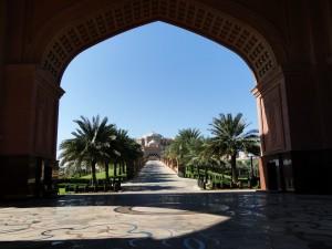 Abu Dhabi - Emirates Palace vanaf de hoofdingang