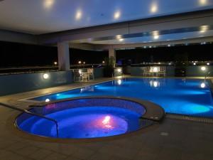 Abu Dhabi - Zwembad Hotel Premier Inn Airport