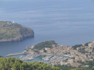Mallorca - Port de Soller gezien vanaf uitzichtspunt Mirador de Ses Barques