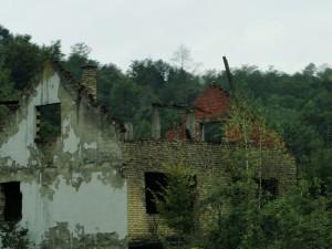 Kapotgeschoten huizen tijdens de oorlog (1)