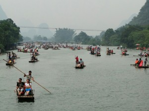 China Yangshuo Bamboo raft - drukte