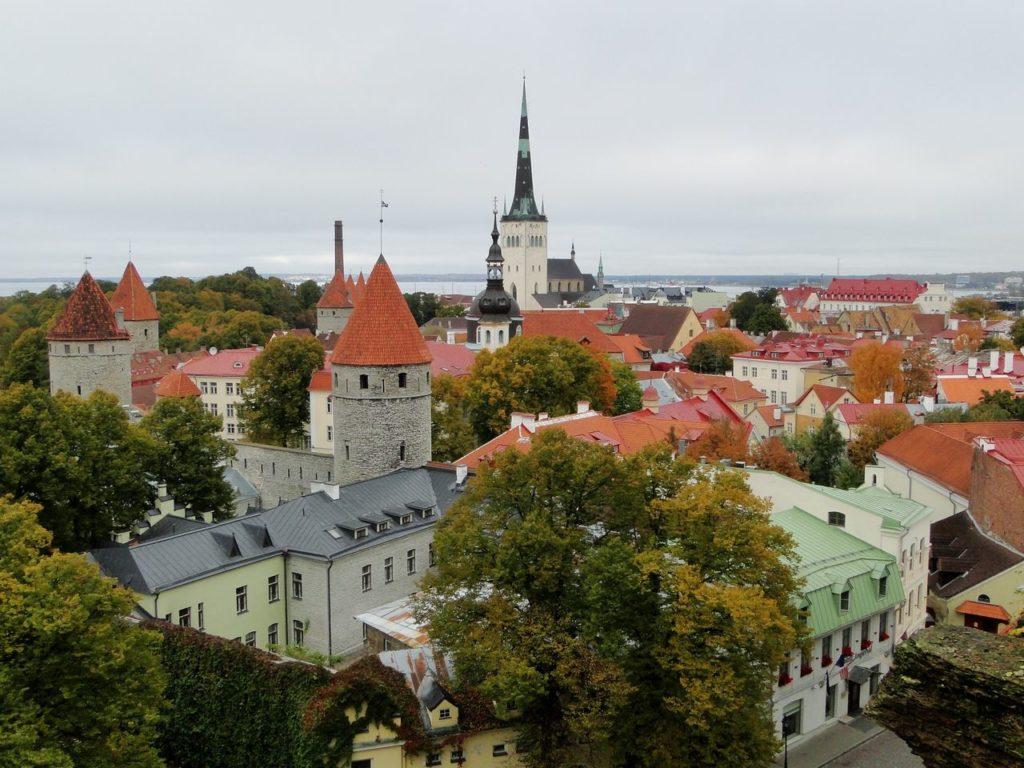 Tallinn - Uitkijkpunt Toompea