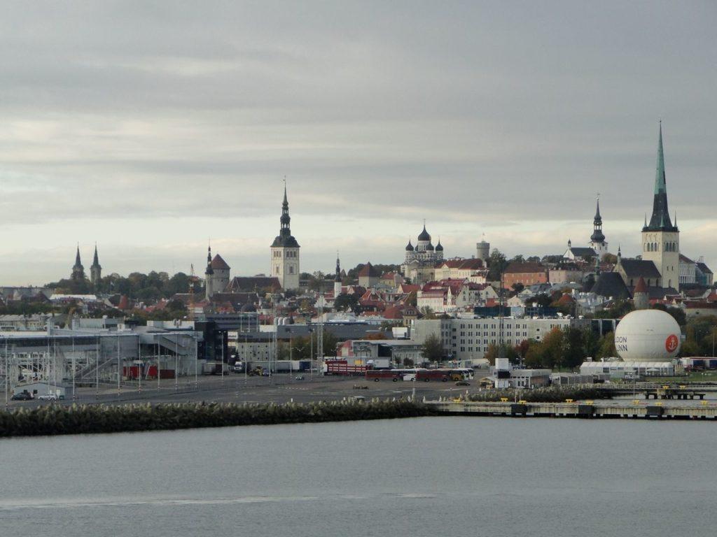 Tallinn vanaf de Ferry