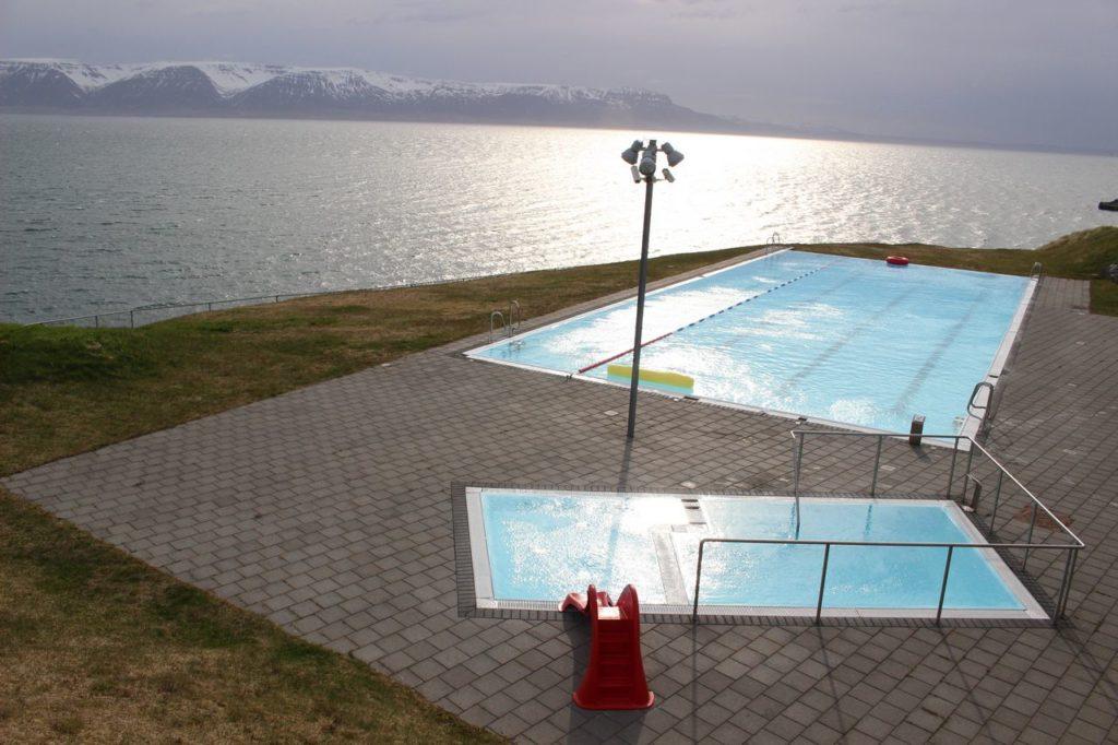 IJsland - Het mooiste zwembad van IJsland (Hofsós)
